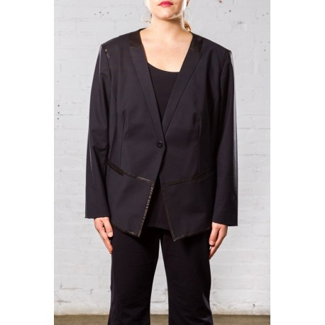 KENNETH COLE LEATHERETTE TRIM FITTED BLAZER SIZE 24